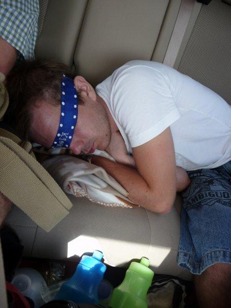 A tutaj prawdziwy lajfstajl podróżnika wersja na śpiąco.