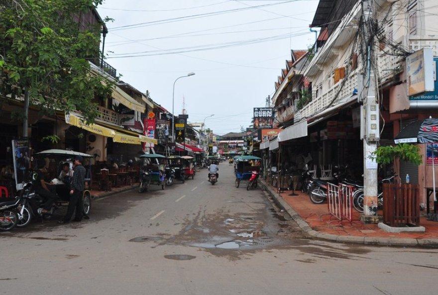 Jedna z ulic Siem Reap. Foto : C. Frank Starmer